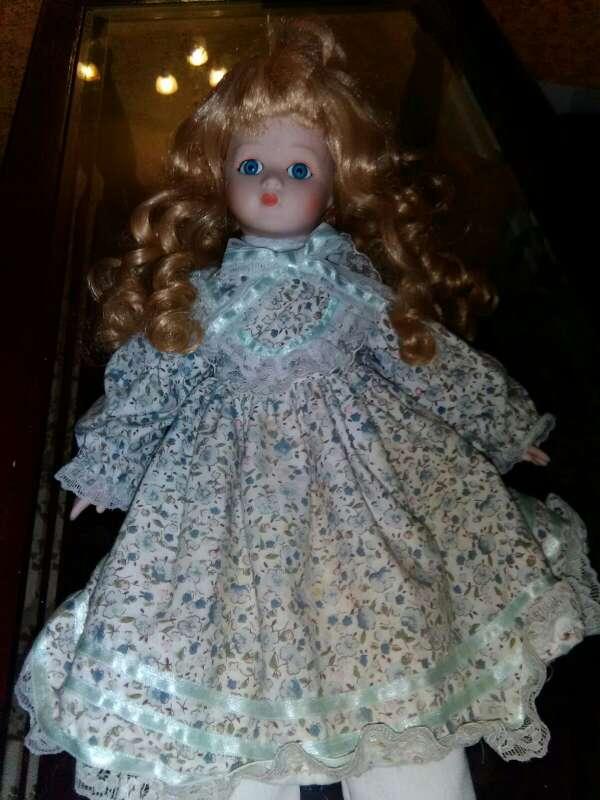 Imagen muñeca porcelana