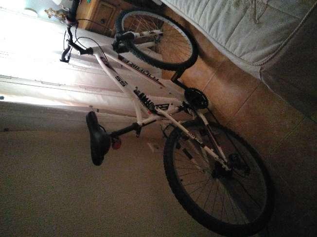 Imagen producto Bicicleta de color blanca 3