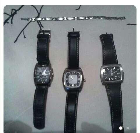 Imagen relojes y pulsera