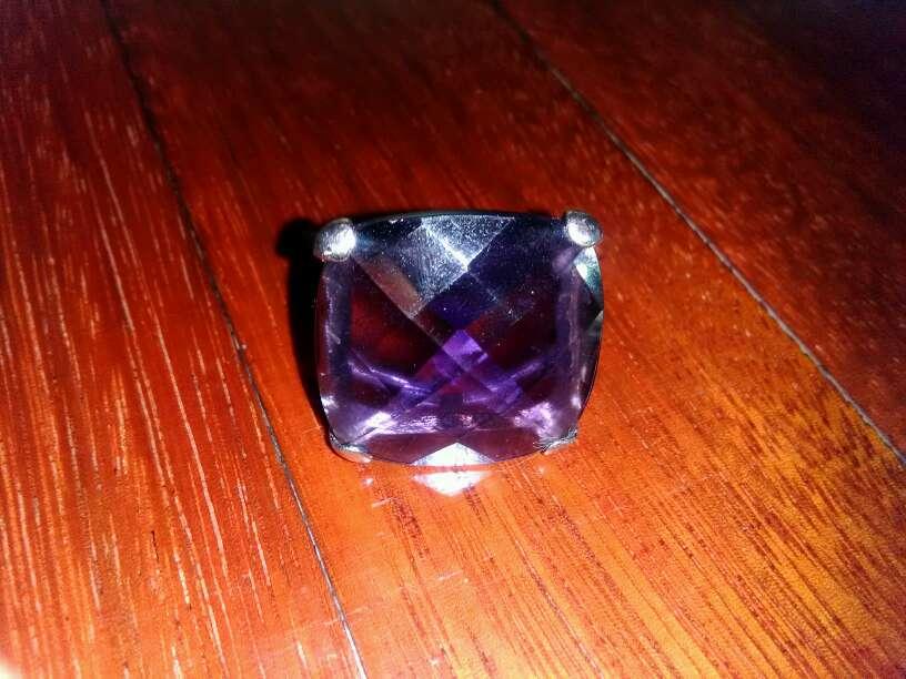 Imagen producto Anillo con piedra morada 3