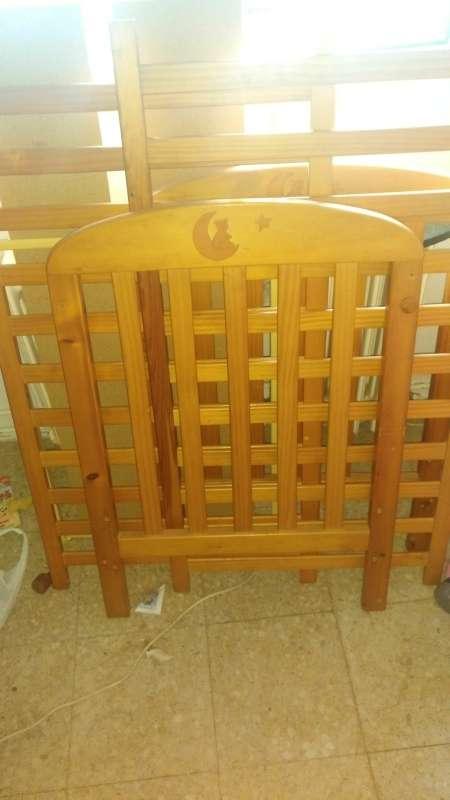 Imagen cuna de madera