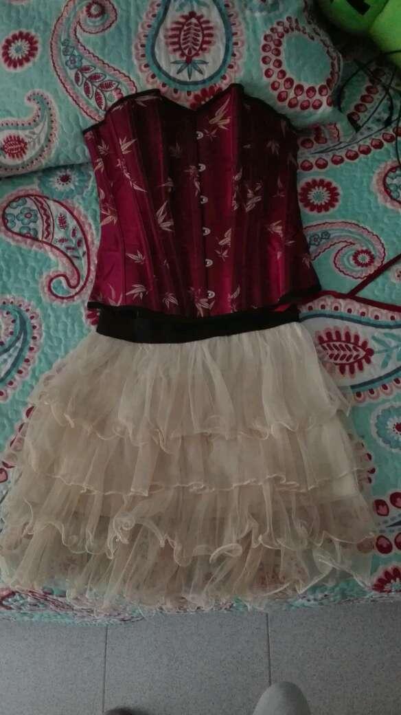 Imagen conjunto corse + falda