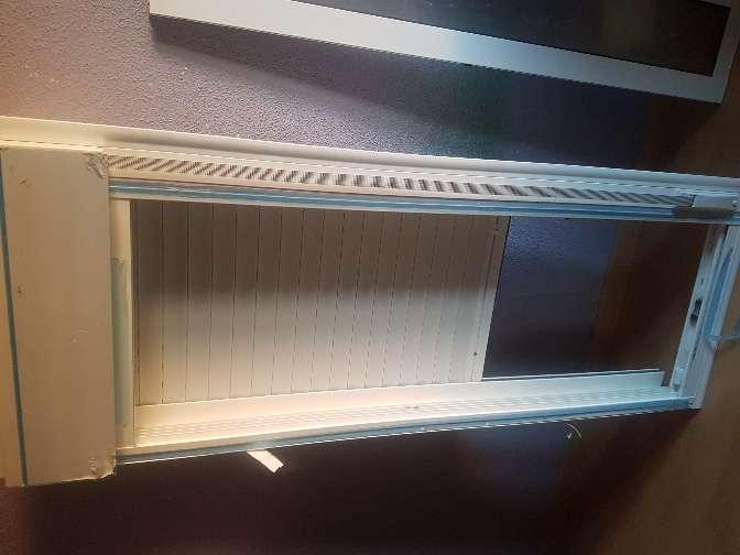 Imagen ventana 2 hojas con persiana