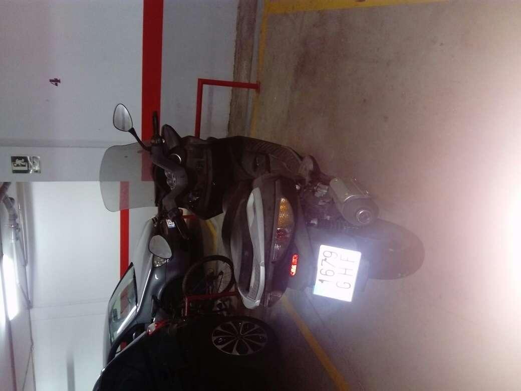 Imagen Vendo scooter 125