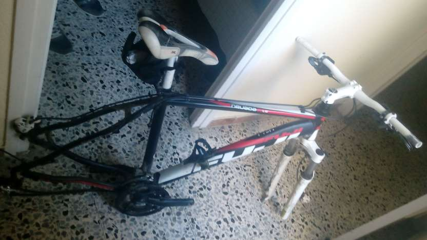 Imagen Cuadro de bici Fuji
