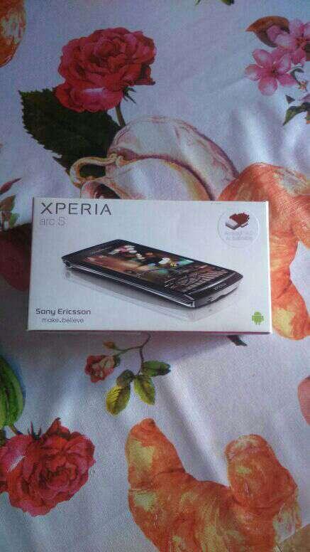 Imagen móvil marca  xperia ar