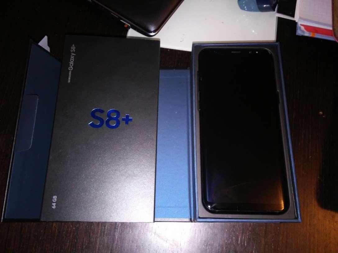 Imagen producto Samsung S8 Plus de color negro Impoluto 3
