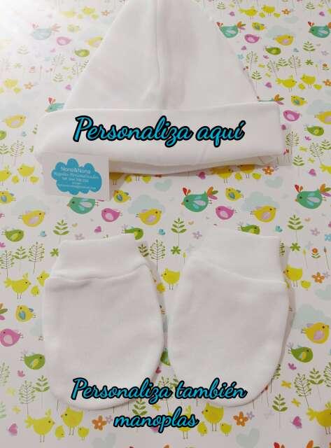 Imagen Gorro y manoplas bebés personalizadas recién nacidos