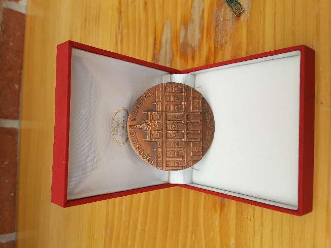 Imagen producto Medallón  Filatélico de  bronce  2