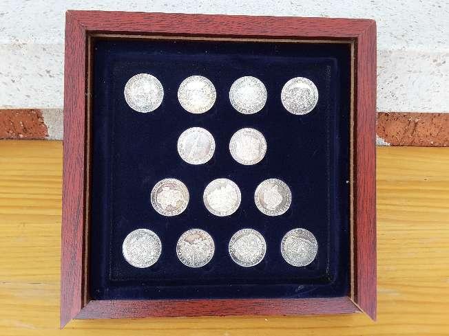 Imagen producto Colección de monedas de plata 2