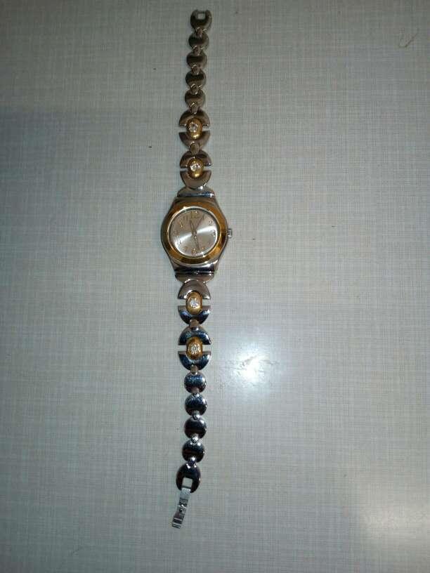 Imagen vendo reloj
