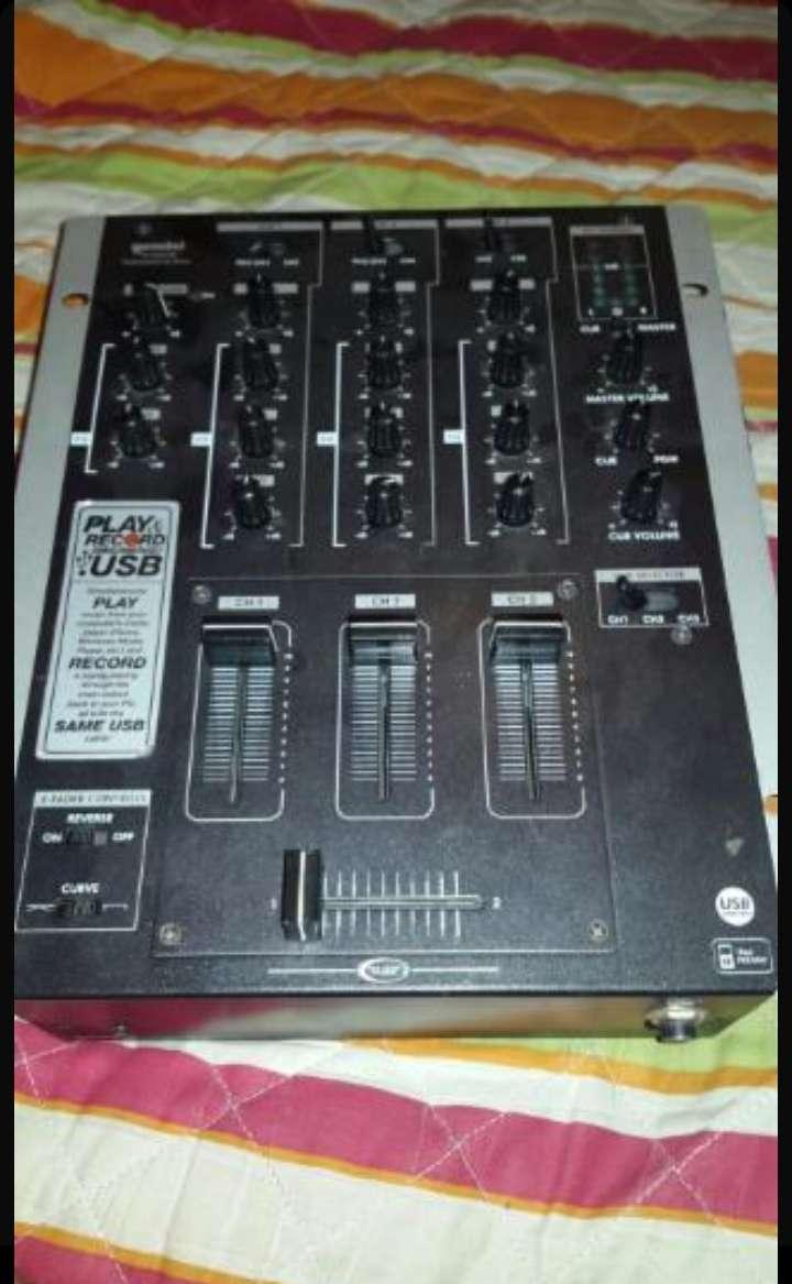 Imagen Mezclador  DJ 3 Canales (Mesa de Mazclas)