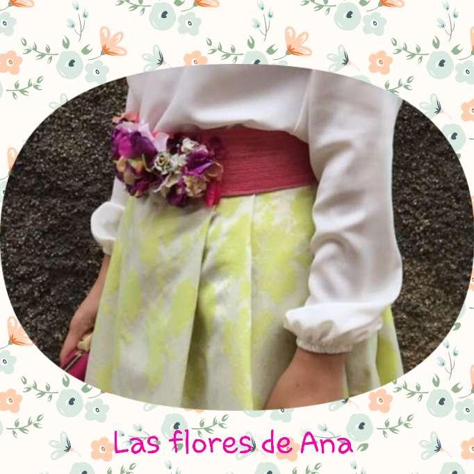 Imagen cinturon de flores en rafia