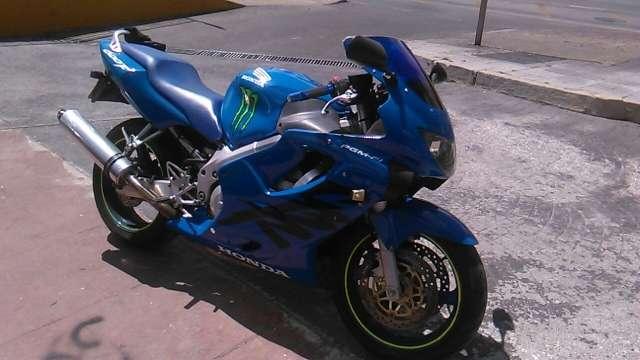 Imagen moto de carretera honda cbr 600 f