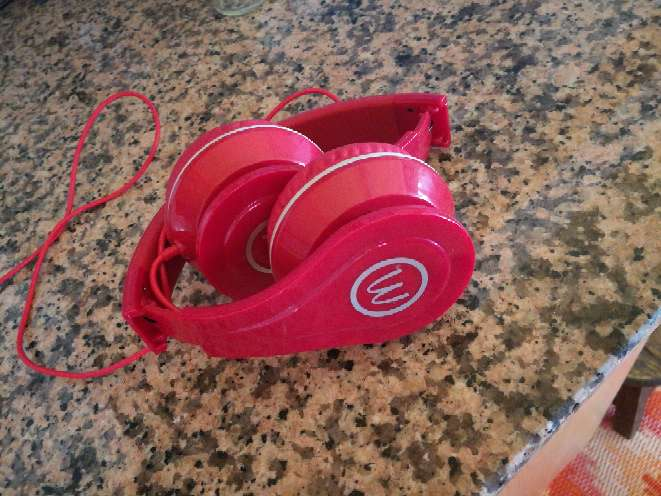 Imagen producto Auriculares mc donalds rojos 1