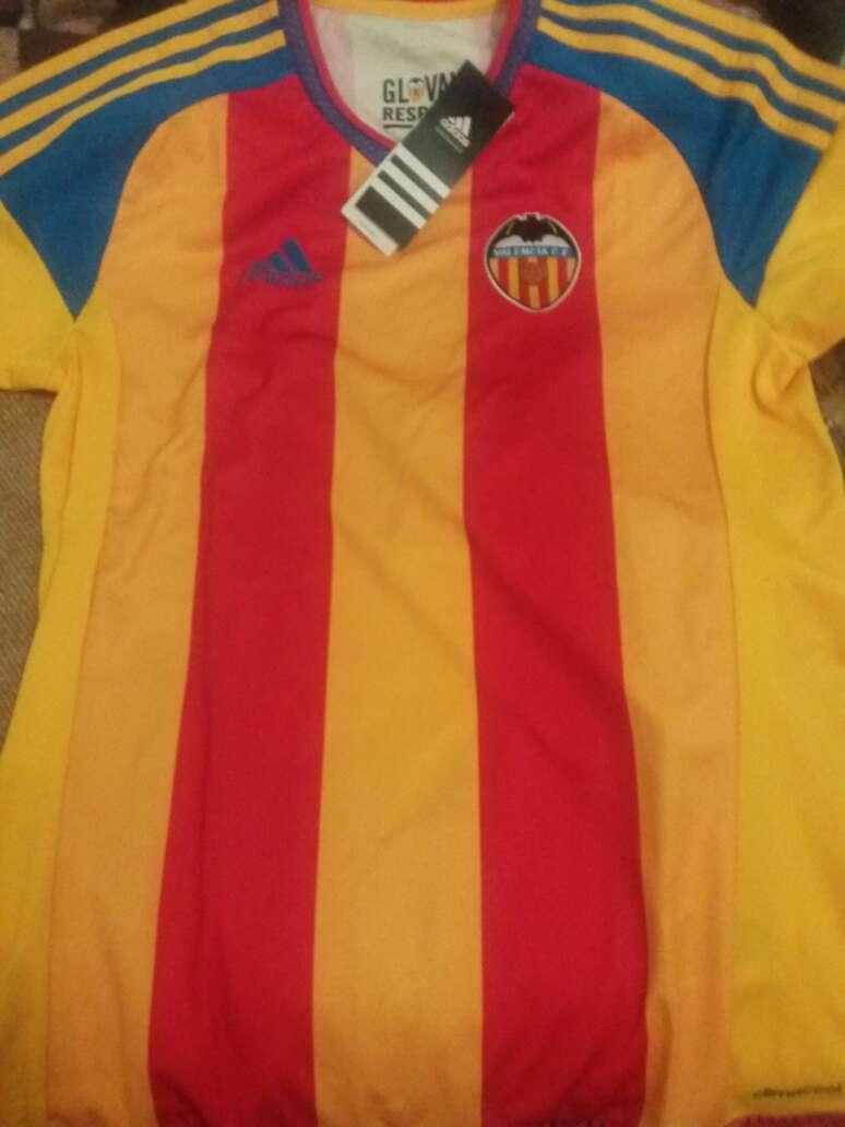Imagen camiseta Valencia nuev