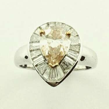Imagen producto Anillo con diamante talla pera yellow brown 1