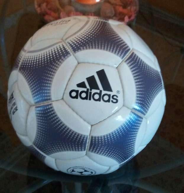 Imagen producto Balón Adidas 2