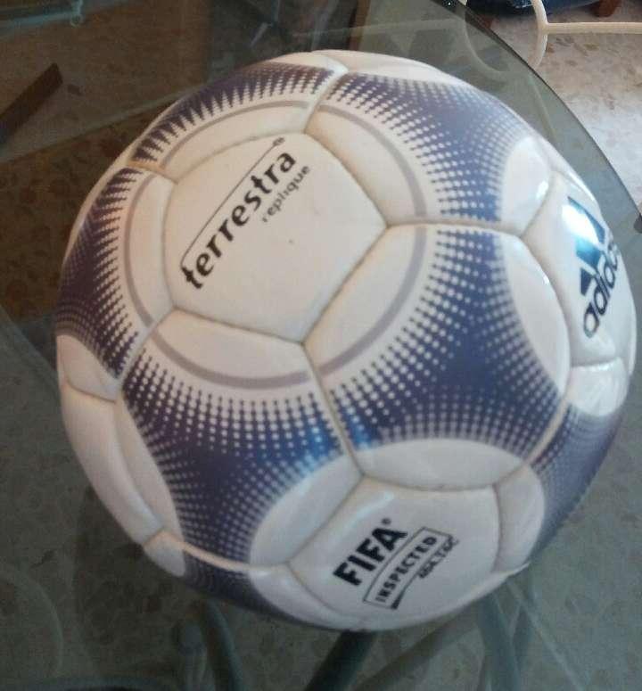 Imagen balón Adidas