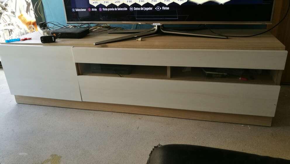 Imagen mueble bajo TV comedor