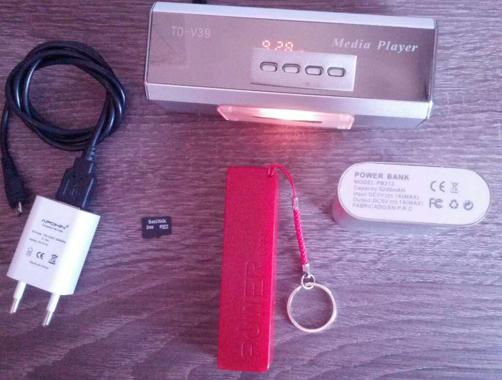 Imagen producto Radio portátil con sd 2gb y cargador y dos baterías portátiles  2