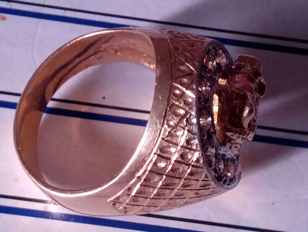 Imagen producto Anillo de oro 18 kilates y brillantes auténticos  1