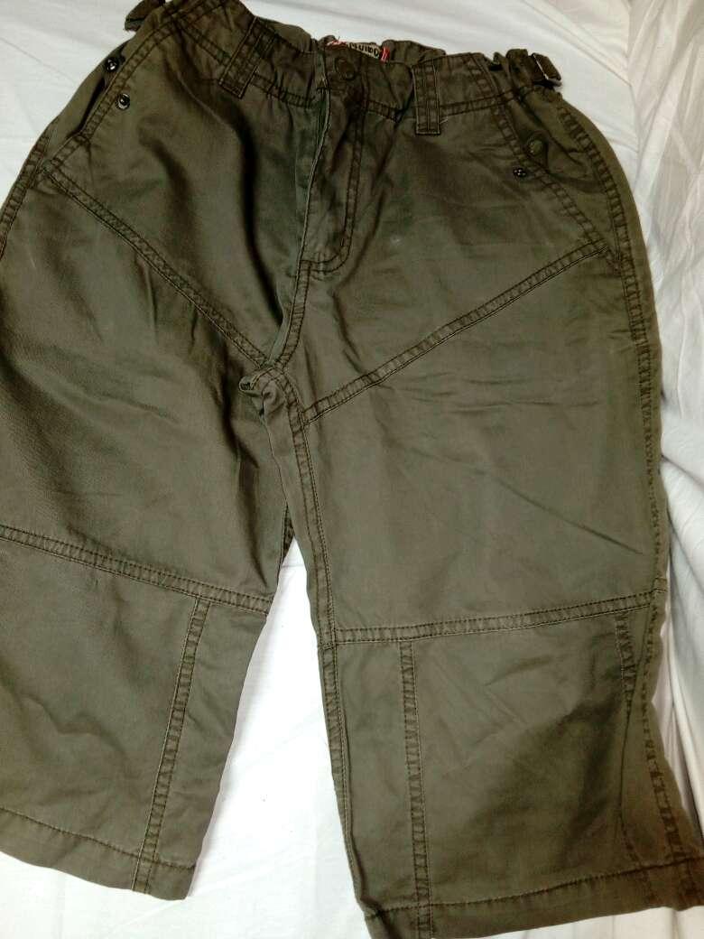 Imagen pantalon tipo bermuda