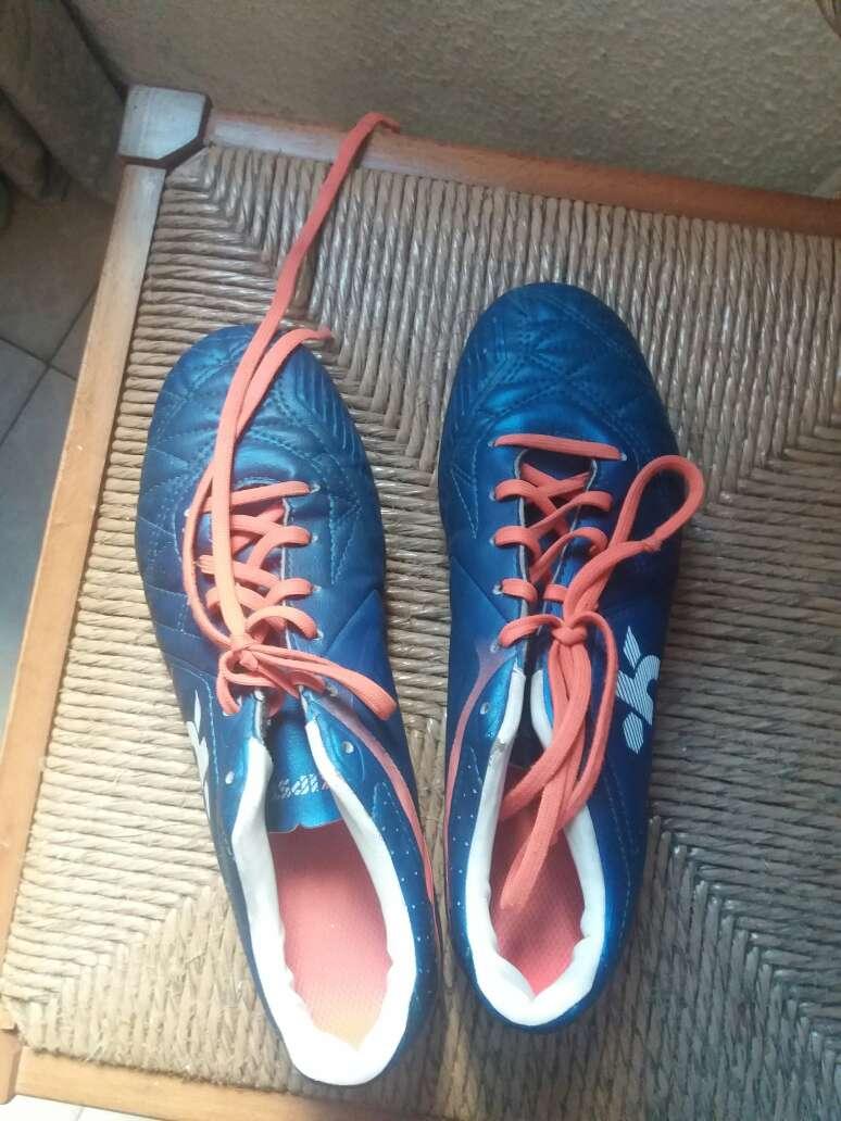 Imagen zapatos de futbol