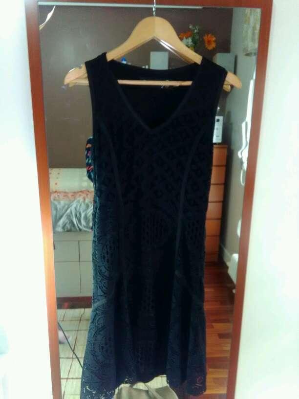 Imagen producto Vestido ganchillo desigual negro  2