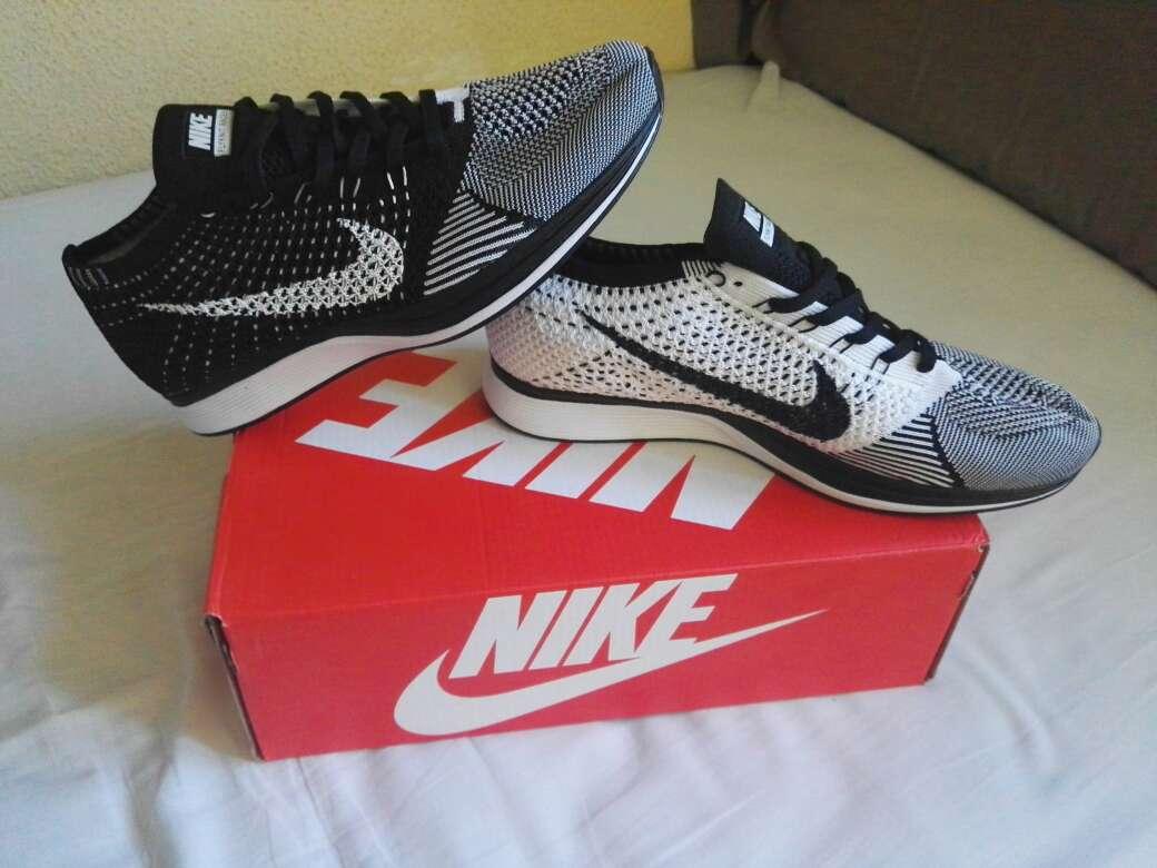 Imagen Zapatillas Nike Flyknit Racer.