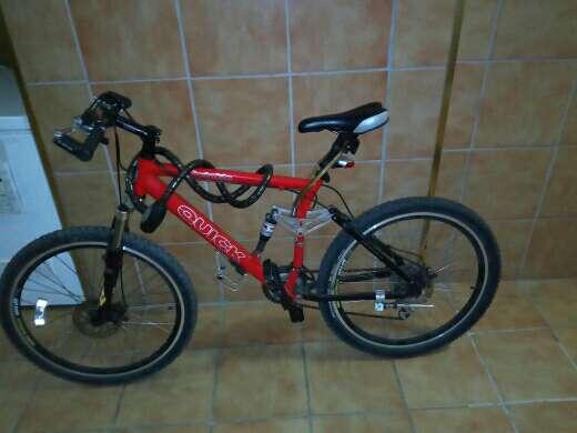 Imagen Se vende o se canvia bici con frenos de disco
