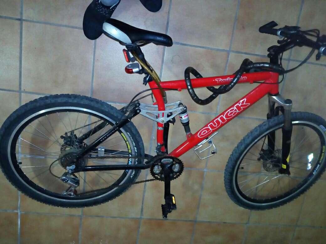 Imagen producto Se vende o se canvia bici con frenos de disco  4
