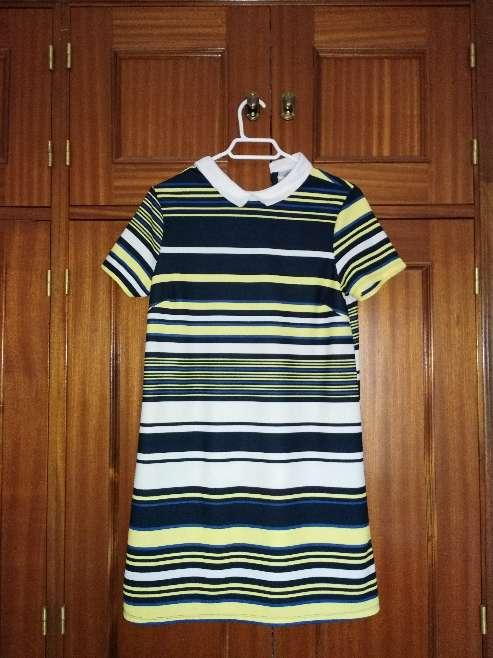 Imagen vestido de rayas colores