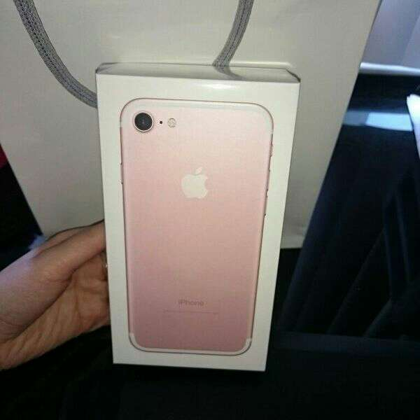Imagen Phone 7 128gb neuf encore sous garanti