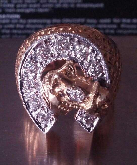 Imagen producto Vendo anillo de oro 18k y con brillantes auténticos  2