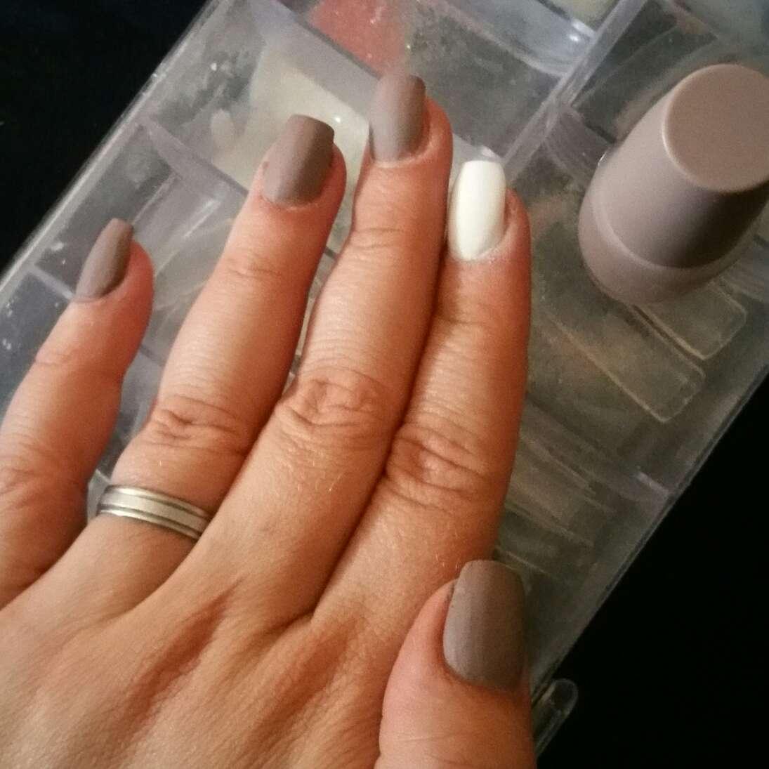 Imagen manicura acrílico y gel