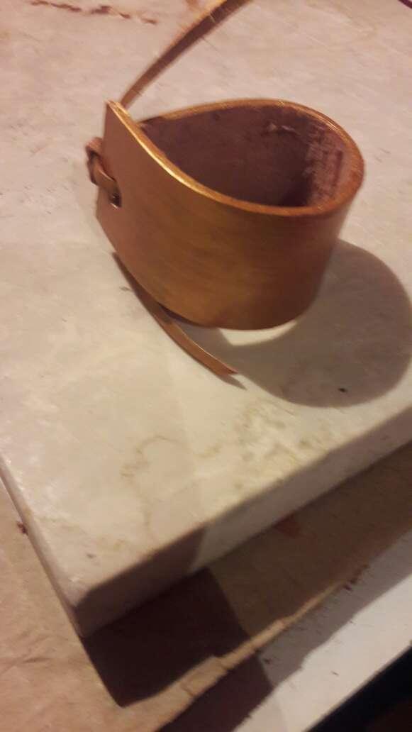 Imagen producto Pulseras de cuero artesanales  5