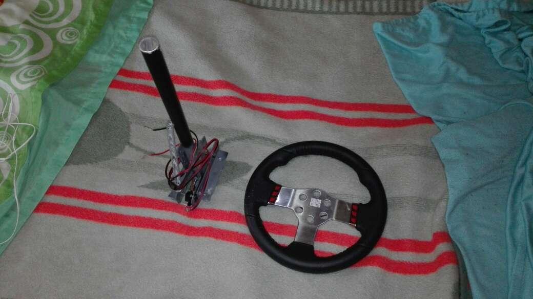 Imagen volante logitech g27 y PS3
