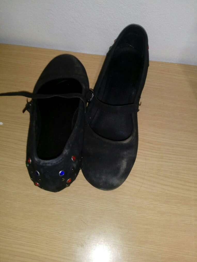 Imagen zapatos de niña de tacon