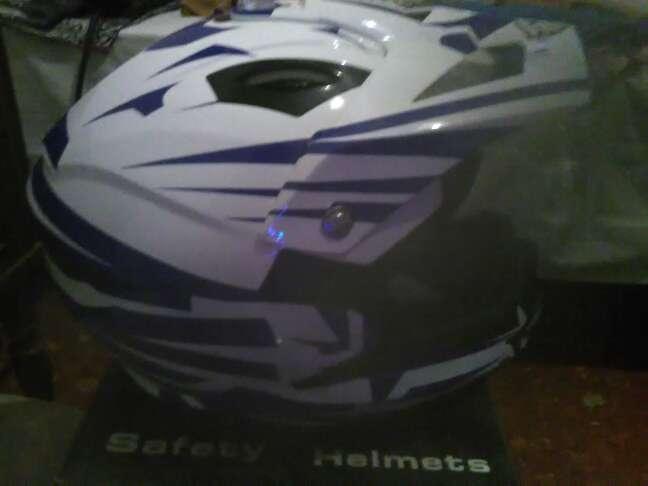 Imagen producto Vendo casco de moto cross 4