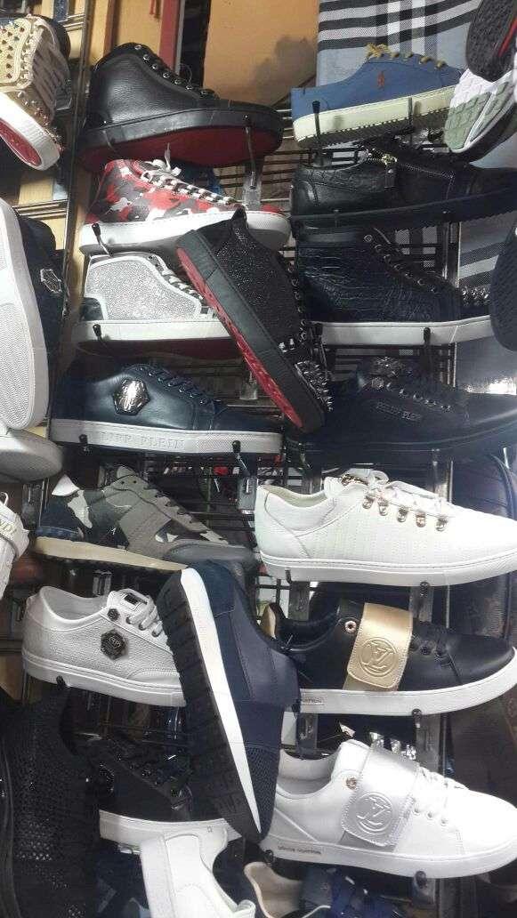Imagen producto Zapatillas deportivas. 3
