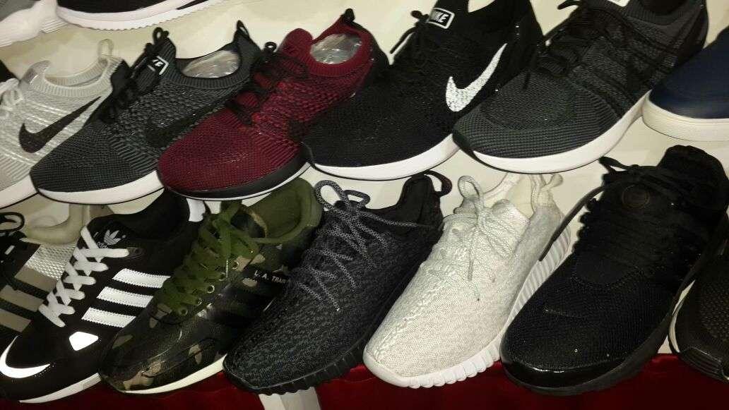 Imagen producto Zapatillas deportivas. 6