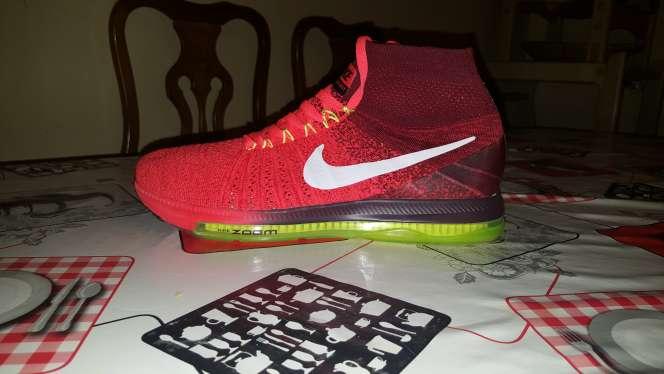 Imagen zapatillas nike y adidas