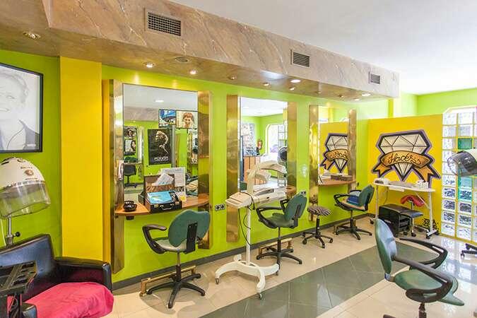 Imagen producto Se Traspasa peluquería y sala de belleza  2