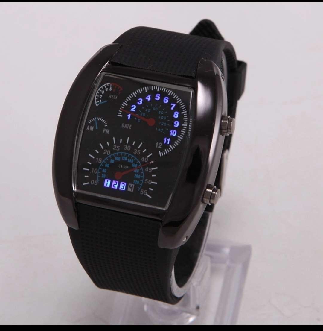 Imagen producto Reloj con luz led 2