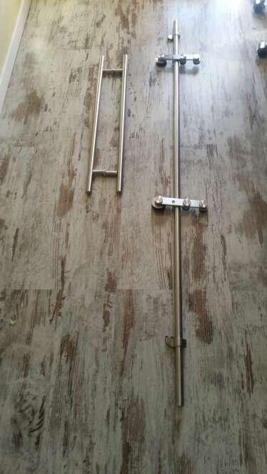 Imagen Guia puerta de cristal con tirador