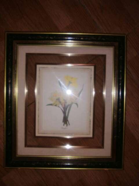 Imagen cuadro de cristal con flor