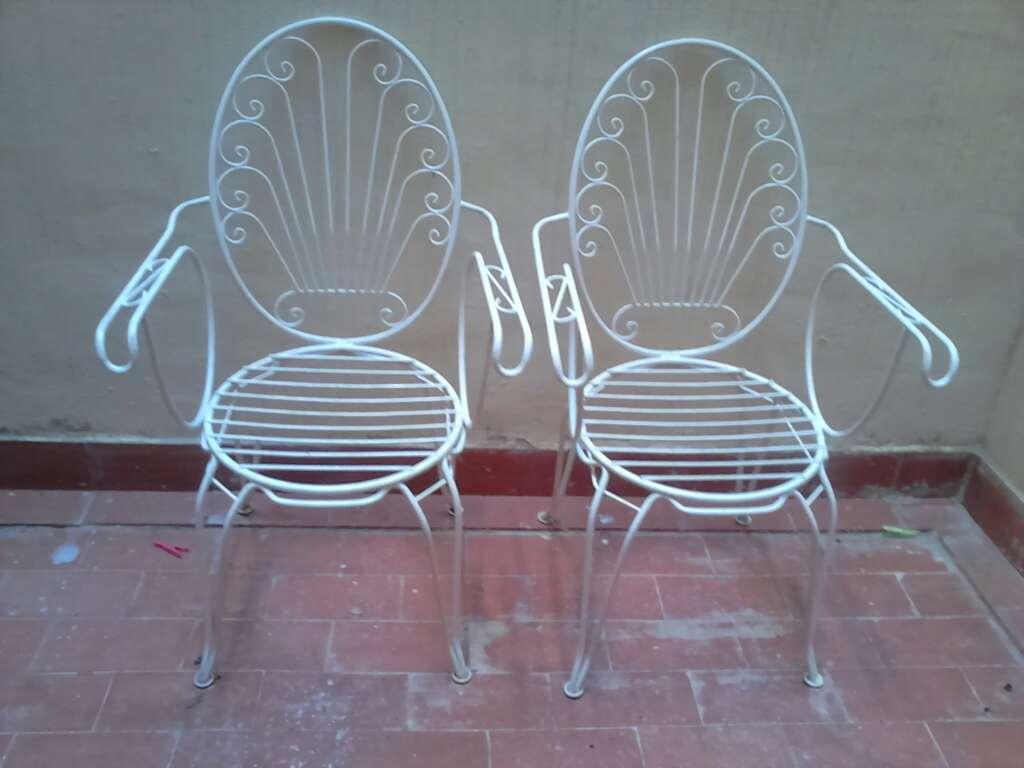Imagen sillas de hierro