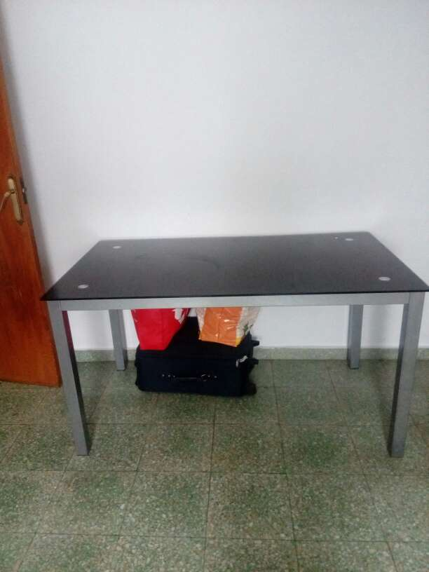 Imagen mesa rectangular de cristal