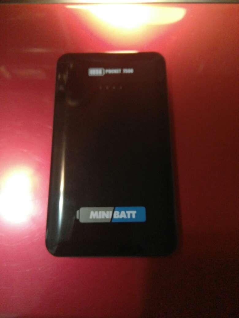 Imagen producto MiniBatt Pocket 7500mAh arrancador+batería 2